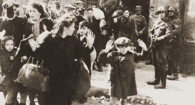 """Pro memoria per i giovani che si dicono """"fascisti"""", ma non sanno manco di che parlano: """"Nessuno dei duecento bambini è mai tornato""""."""