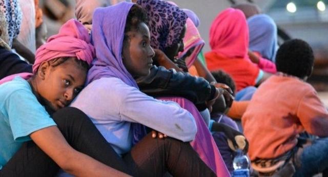 """Ricapitoliamo: una migrante incinta e affetta da un grave linfoma viene barbaramente respinta alla frontiera di Bardonecchia e muore subito dopo il parto. Ma """"Vomitevoli e immondi"""" sono gli italiani… Glie lo dedichiamo tutti in coro un bel vaffanculo ai francesi?"""
