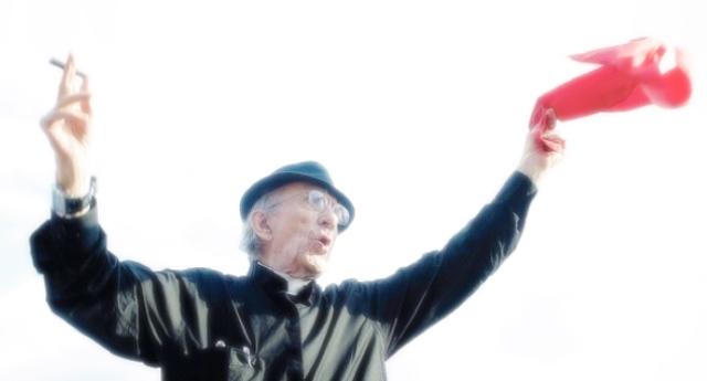 90 anni fa nasceva Don Andrea Gallo – Lo vogliamo ricordare con la sua fantastica lettera all'amico Fabrizio de André appena scomparso: Caro Faber. Per Fabrizio De André